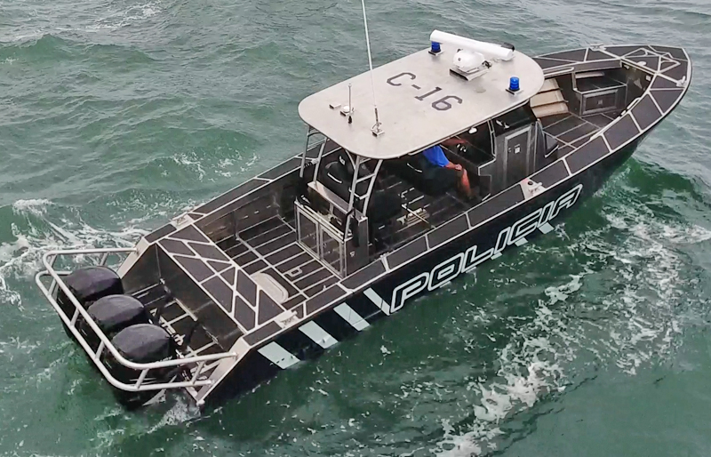 Aluminum Center Console Patrol Boats : Fearless metal shark