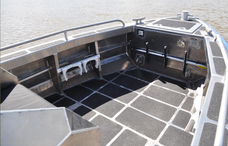 Aluminum Center Console Patrol Boats : Relentless metal shark